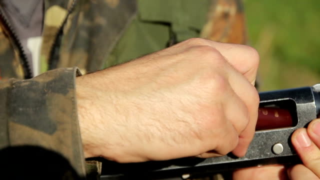 Filling in rifle ammunition video