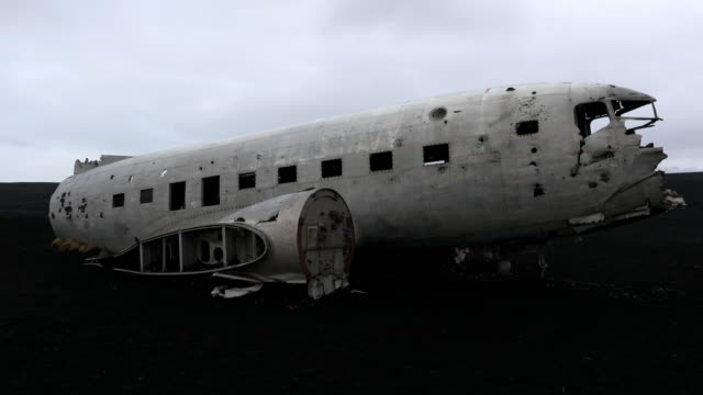 Film Tilt of  Plane wreck on Solheimasandur beach near Vik, Southern Iceland video