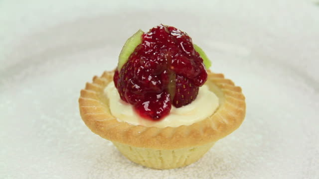 Finishing Jam A Tart video