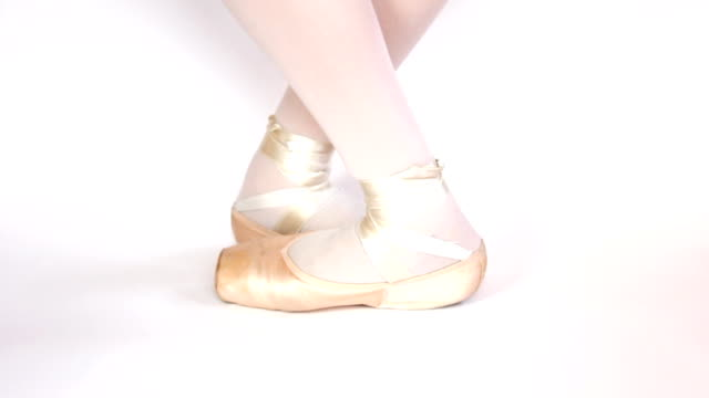 First steps in pointe shoes. video