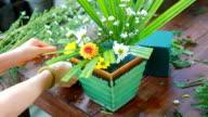 flower bouquet preparing video