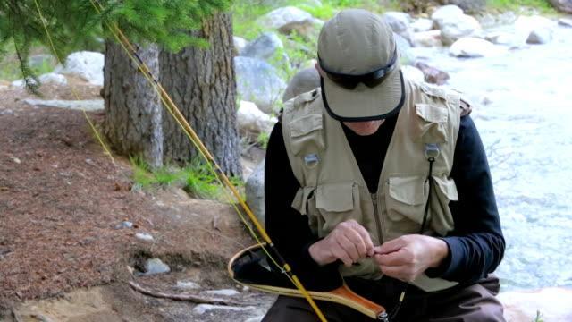 Fly Fisherman Ties Lure video