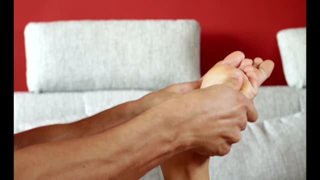 Foot masage video