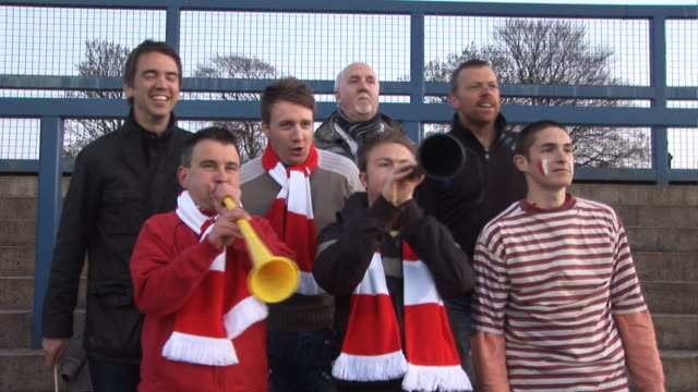 Football / Soccer fans, Horns Vuvuzela - HD & PAL video