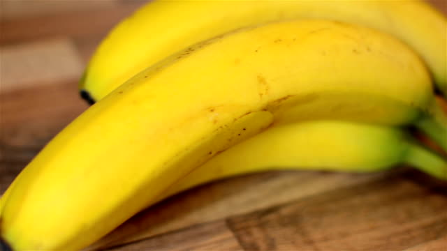 Four Bananas video