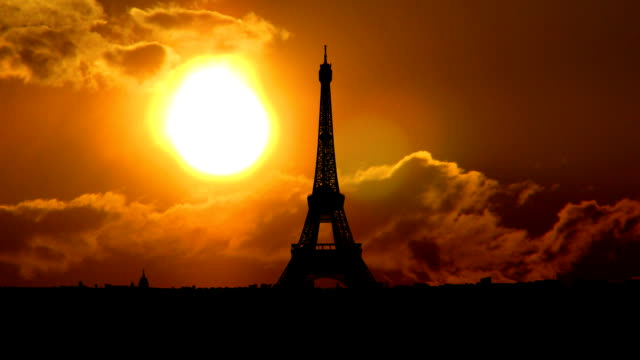 France Eiffel tower sungliding video