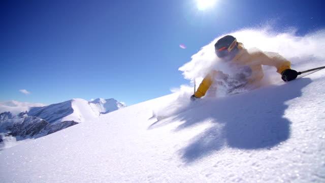 Freeride powder skiing video