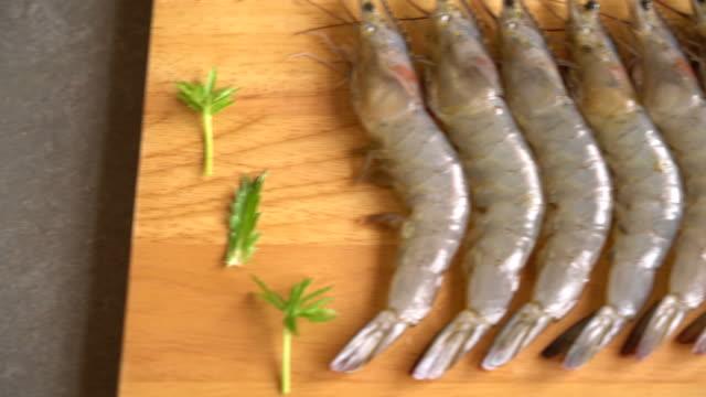 fresh shrimp:prawn video
