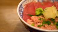 fresh tuna on top rice video
