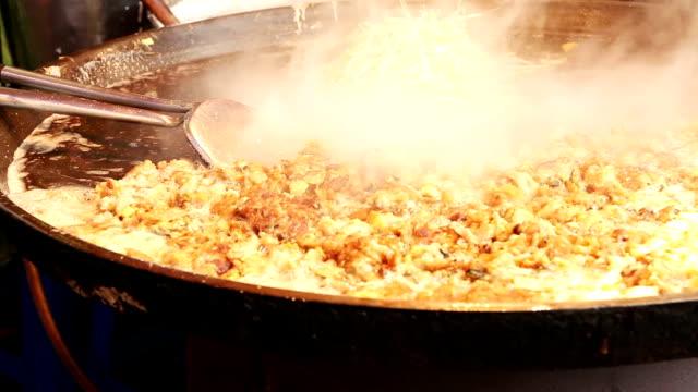 Frie Mussel Omelette video