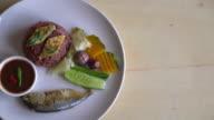 Fried mackerel with shrimp paste sauce video