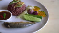 Fried mackerel with shrimp paste sauce video