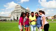 Friends take a selfie in Piazza dei Miracoli, Pisa video