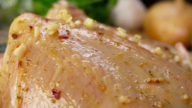 garlic falls on the chicken video