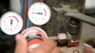Gas pressure gauge video