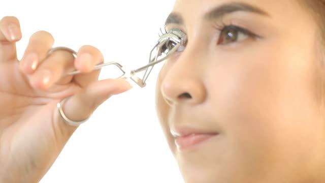 Girl making her eyelashes video