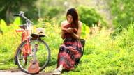 girl read book video