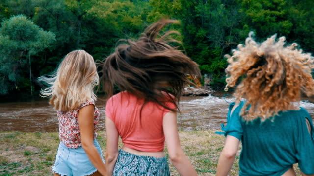 Girls have fun video
