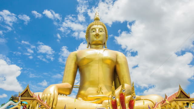 Golden buddha at Wat Muang video