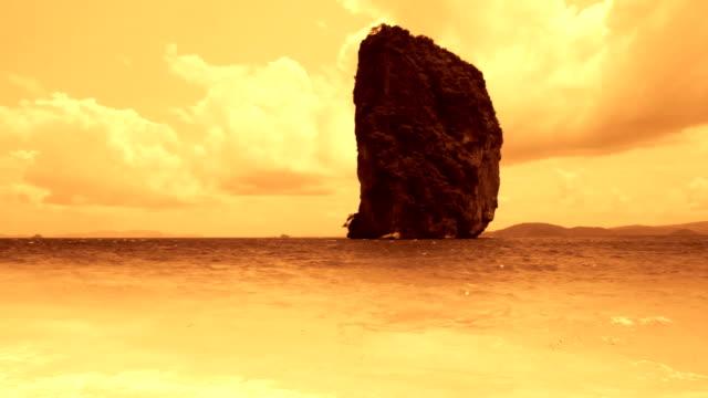 Golden Sunset On The Sea video