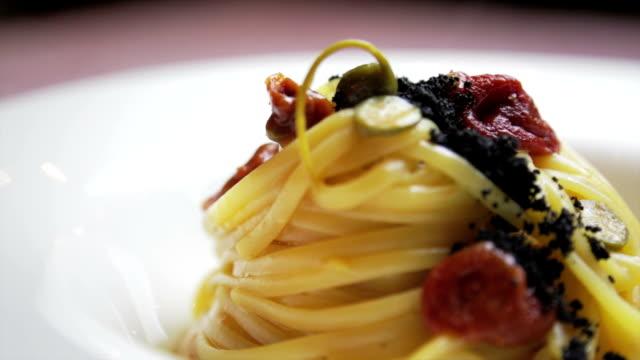 Gourmet italian spaghetti video