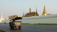 Grand Palace and traffic in Bangkok video