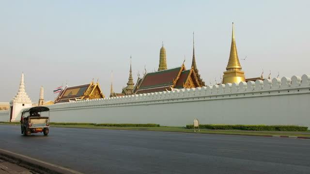 Grand palace and Tuk Tuk video