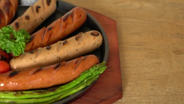 grilled sausage with vegetable video