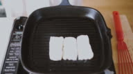 grilling halloumi cheese video