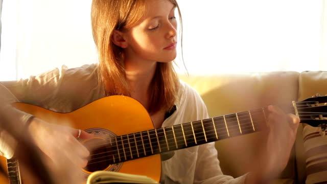 Guitar girl    MU video