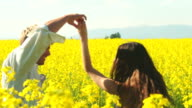 Guy and girl meet in field video