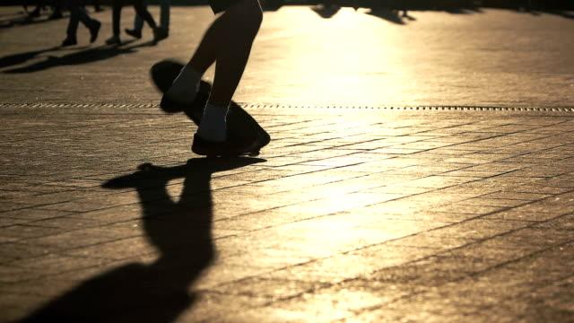 Guy failing a skate trick. video