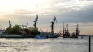 Hamburg Harbor, Bloom & Foss Dock - DSLR timelapse video