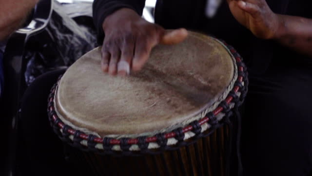 Hand and drum video