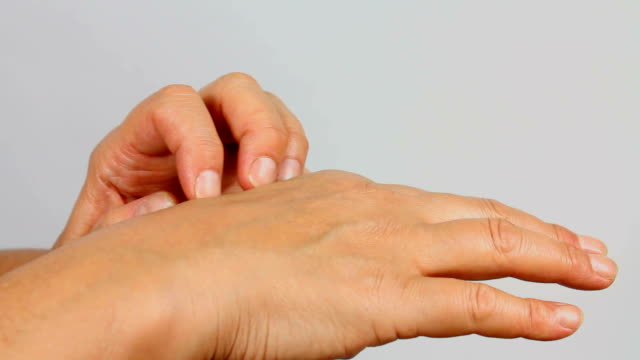 Hand Scratch video