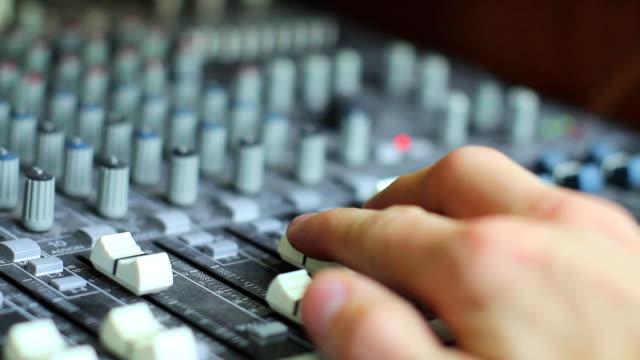 hands on audio mixer video