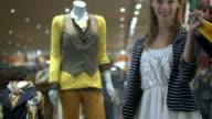 HD DOLLY: Happy Shopaholic video