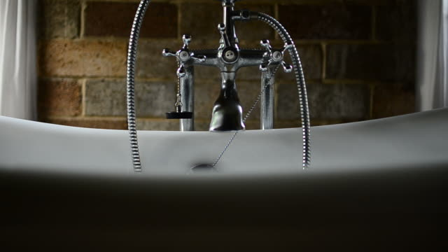 HD:Vintage bathtub in bathroom video