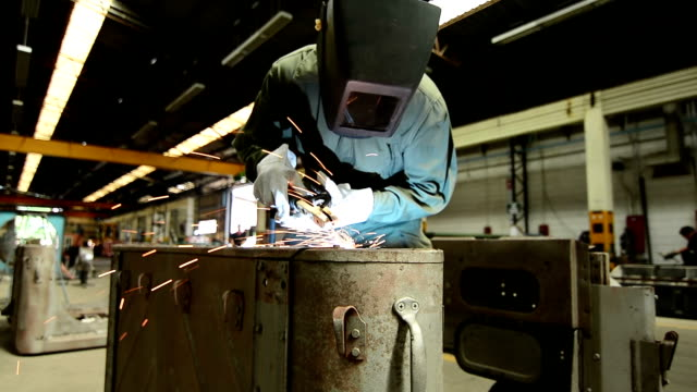 HD:worker welding video