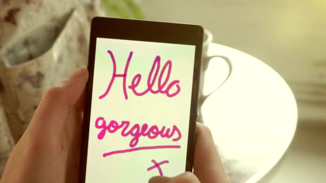 Hello gorgeous   TEE video