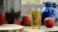 Hessian Cider apple juice and Jug, Bembel  Apfelsaft video