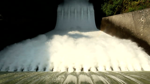 High Angle, Cleveland Dam Spillway video