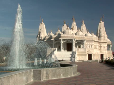 Hindu Temple and Fountain video