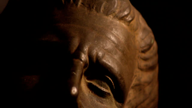 Hippocrates bust video