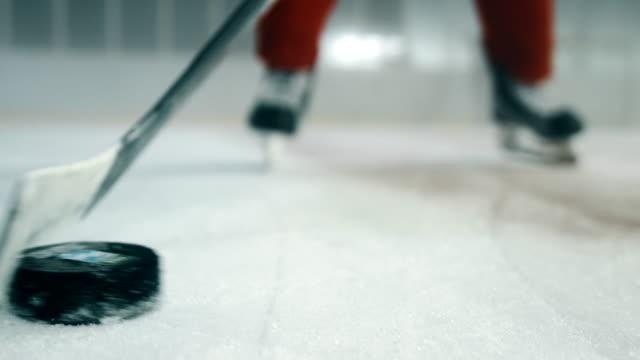 Hockey player preparing for a shot 4K video