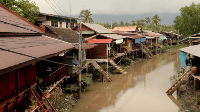 house boat river in Thailand video