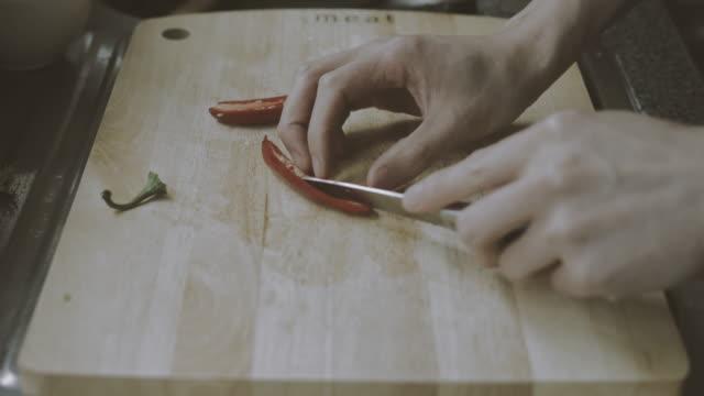 how to prepare chilli pepper video