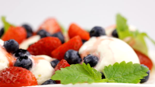 ice cream with fresh berries and mint video