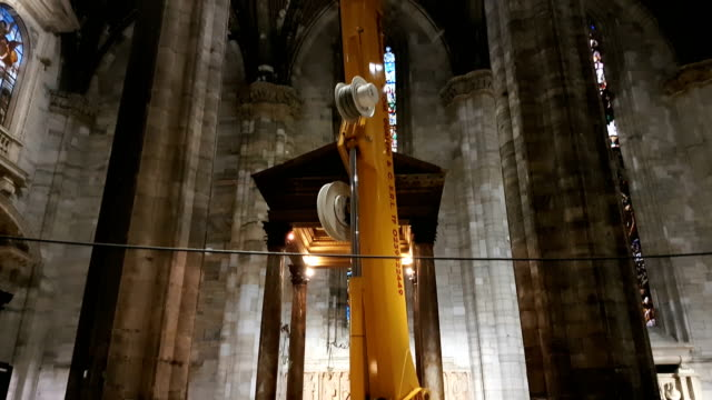 Il Duomo Crane Restoration internal dome video