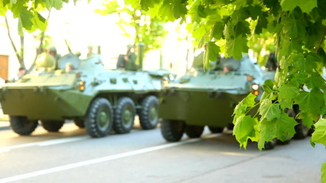 infantry fighting vehicle on the streets video